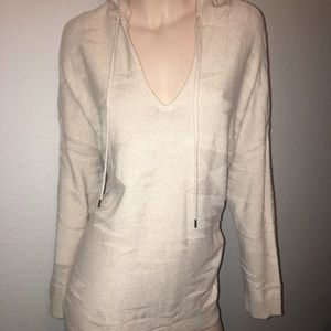 American Eagle outfitters sweater. NWT size Large